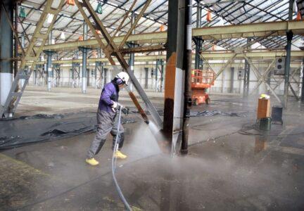 HK Concept propose la Ultra Haute pression pour la démolition et le nettoyage industriel
